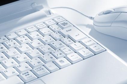 お客様が求めるスキルに相応しい専門知識と経験を備えた技術翻訳者、翻訳校正者、翻訳品質管理者をご紹介